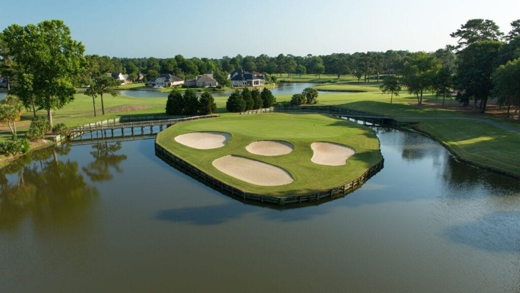 Drone of River Club Hole 14